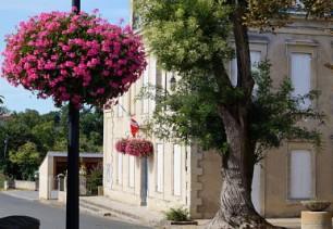 Mairie de Saint-Christophe des Bardes